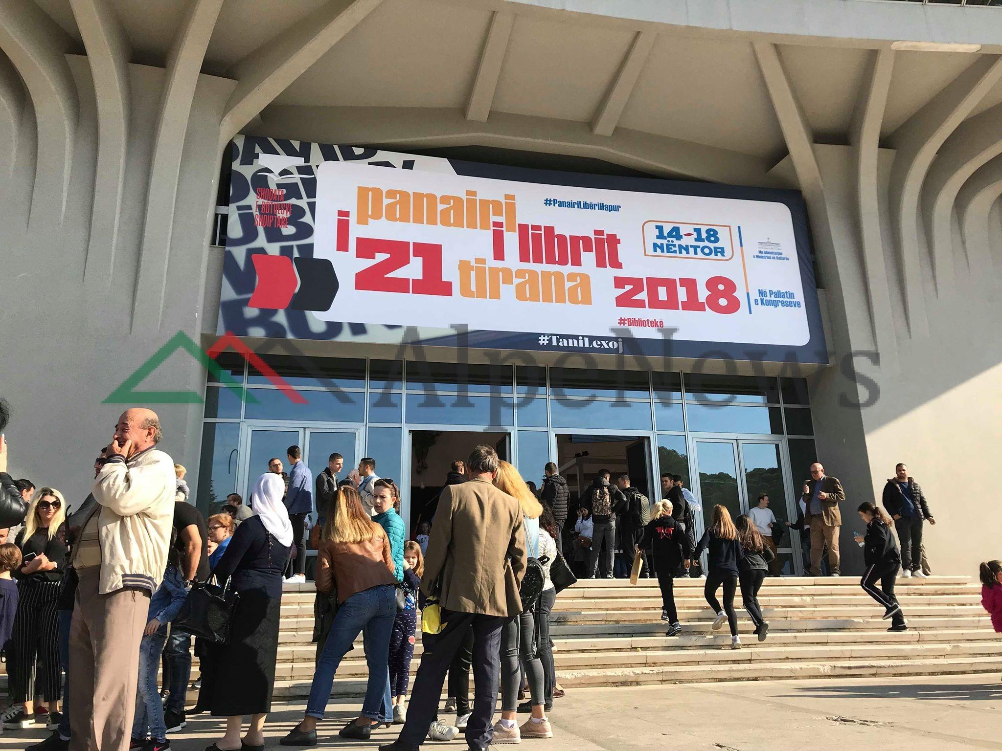 PANAIRI I 21 I LIBRIT/ Vizitorët e parë që rendën sot dhe surpriza e Kadares nesër (FOTO)