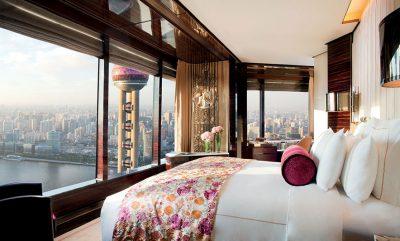 PASTRONIN GOTAT ME PECETAT E TUALETIT/ Irritim ndaj hoteleve me 5 yje në Kinë