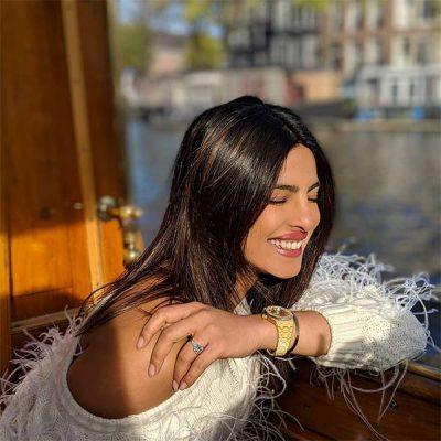 NË AMSTERDAM/ Priyanka Chopra u shfaq e veshur si nuse në festën e beqarisë (FOTO)