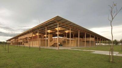 MADHËSHTORE/ Shkolla e ndërtuar në pyll shpallet ndërtesa më e mirë në botë (FOTO)