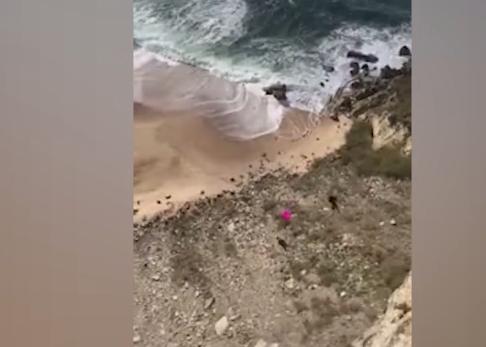 HIDHET NGA SHKËMBI/ Burrit nuk i hapet parashuta, përplaset për vdekje në tokë (VIDEO)
