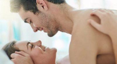 """""""EKSPERIMENTET"""" NË DHOMËN E GJUMIT/ Ky është pozicioni në marrëdhënie intime që po """"çmend"""" çiftet"""