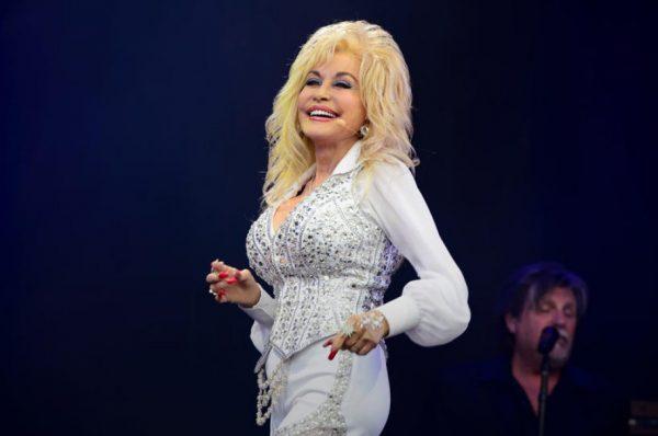 PAS 52 VITESH MARTESË/ Këngëtarja e njohur zbulon sekretin e lumturisë