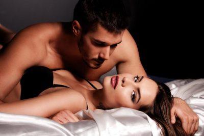 KUJDES/ Vajza trajtojeni me kujdes partnerin gjatë seksit sepse këto pozicione ia thyejn penisin
