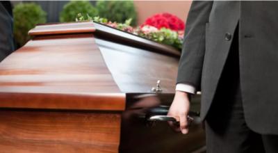 ANULOHET FUNERALI/ Të afërmit bëjnë gati arkivolin por gruaja ishte gjallë