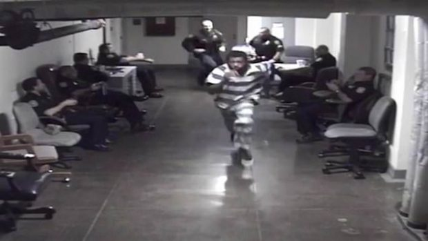"""""""PËRPJEKJA E GUXIMSHME""""/ Plani i arratisjes nga gjykata i dështon keq të burgosurit (VIDEO)"""