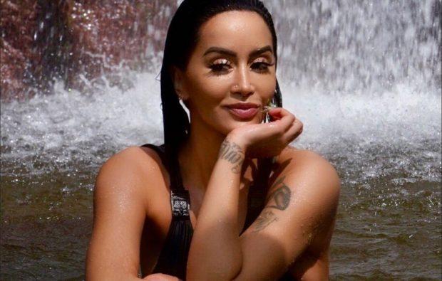 """NUK DI TË NDALET/ Dafina Zeqiri zbulon tatuazhin më të ri  dhe është """"një çmenduri"""" (FOTO)"""