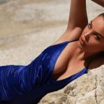 """""""PROVOKON"""" SËRISH/ Françeska Jaçe pozon topless dhe të pasmet në…"""