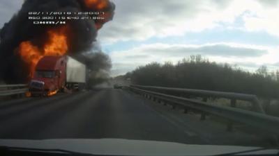PAMJE TË FRIKSHME/ Shoferi detyrohet të bëjë manovrën katastrofike (VIDEO)