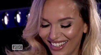 """ME SHUMË """"SIKLET""""/ Aktorja shqiptare thotë emrin e të dashurit të saj të parë (VIDEO)"""
