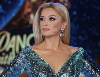 """""""SHUMË SKANDAL KËMBËT""""/ Alketa Vejsiu nuk ia përton fanses: Jam krenare dhe…(FOTO)"""
