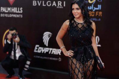 U SHFAQ NË FESTIVAL ME FUSTAN TRANSPARENT/ Aktorja mund të dënohet me 5 vite burg