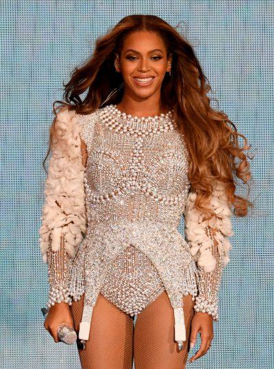 """HIQNI DORË NGA """"BAYALAGE""""/ Beyonce sjell trendin e fundit të flokëve"""