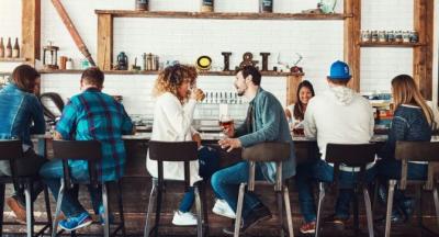 NGA PËRSHTYPJA E PARË E DERI TEK KUSH DO PAGUAJË/ Ja çfarë duhet të dini për takimet e para