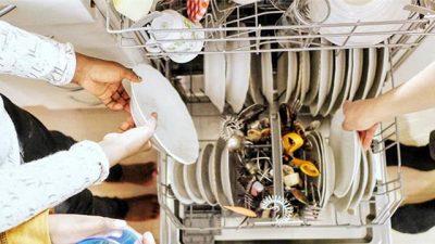 NË TRE HAPA TË THJESHTË/ Kështu mund të pastroni pjatalarësen tuaj