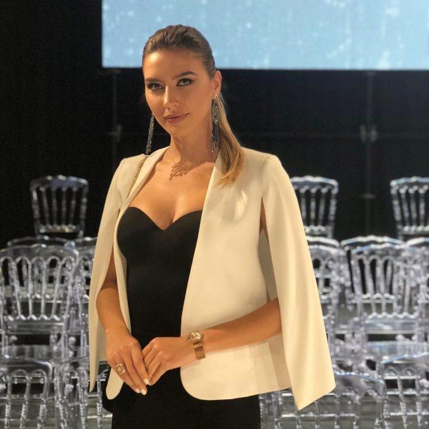 """PAS LARGIMIT NGA """"KLAN""""/ Arjola Shehut i besohet projekti i rëndësishëm në prezantim në Itali"""