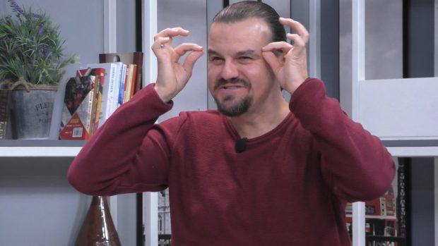 XHELOZ PËR ERMAL MAMAQIN? Eglein Laknori: Batutat e mia rrinë më mirë në gojën e tij (VIDEO)