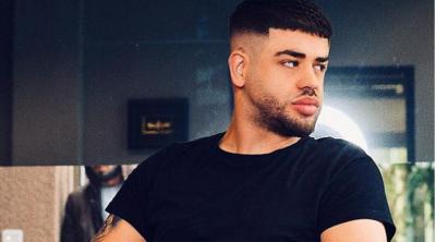 """""""VAZHDOJ TË JEM MBRETI""""/ Noizy u dërgon """"mesazh"""" kolegëve të tij (FOTO)"""