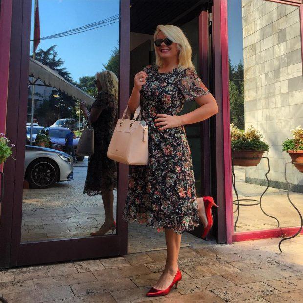 """PROGRAMI MË I RI NË """"TOP CHANNEL""""/ Moderatorja e njohur shqiptare rikthehet në ekran (VIDEO)"""