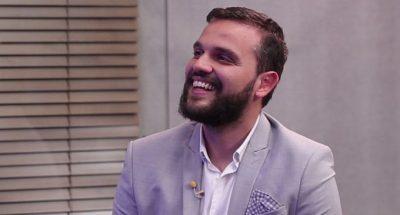 """""""NUK KA ASGJË TË KEQE QË TË MARTUARIT FLIRTOJNË""""/  Arbër Çepani nuk e ka problem ta thotë publikisht (VIDEO)"""