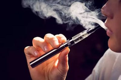 E TMERRSHME/ Cigaret elektronike sëmurin rëndë nxënësit në shkollë
