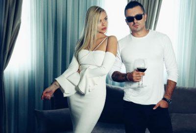 """""""NUK I REZISTOI DOT""""/ Genc Prelvukaj pa për herë të parë Eni Koçin me fustan nusërie (FOTO)"""