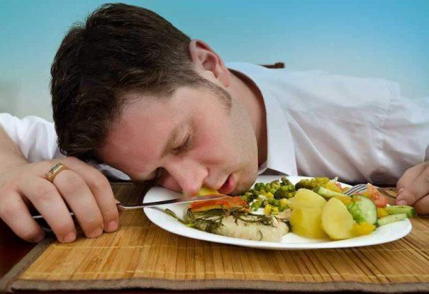 KUJDES/ Këto ushqime ju zgjojnë nga gjumi dhe…