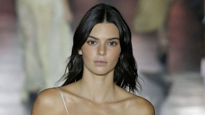 KENDELL JENNER JASHTË PASARELAVE/ Modelja shfaqet shumë e thjeshtë në përditshmërinë e saj (FOTO)