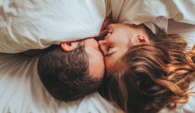 STILI I PËRKRYER SEKSUAL/ Meshkujt me PENIS TË VOGËL duhet të praktikojnë këtë pozicion