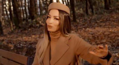 """""""MIKJA IME""""/ I bazuar në një ngjarje të vërtetë, ja balada e re e Rovena Stefës (VIDEO)"""