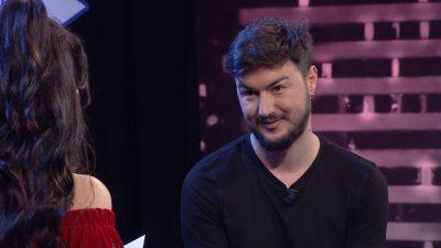 """""""NUK FLAS PËR INJORANTET""""/ Kelvi Kadilli shpjegon të vërtetën e fobisë nga të shëmtuarit (VIDEO)"""