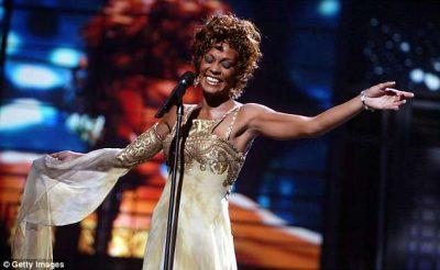 """""""DËMTOI BIZNESIN E PASURINË""""/ Bashkëshorti i Whitney Houston padit BBC"""