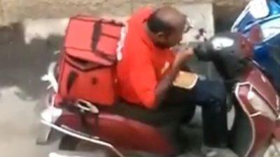 KAPET MAT NGA KAMERAT/ Punëtori hante gjatë transportit porositë e klientëve (VIDEO)