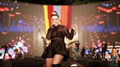 """""""ASKUSH S'E DINTE KU DO TË ARRIJA""""/ Aurela Gaçe feston përvjetorin special (VIDEO)"""