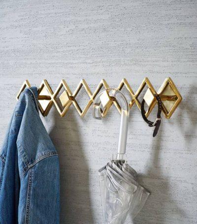 TË RREGULLTA DHE TË PASTËRTA/ Ja mënyrat më të mira për të sistemuar garderobën tuaj (FOTO)