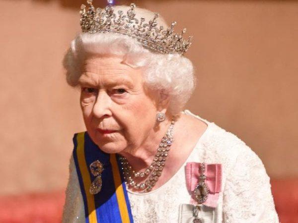 NDJEKËSIT I KTHEHEN KUNDËR/ Mbretëresha publikon fjalimin e përvitshëm të Krishtlindjes por…