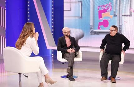 """""""SOT BËJNË KËNGË PËR DASHNOREN JO GJYSHEN""""/ Agim Krajka shpreh pakënaqësinë në emisionin live"""