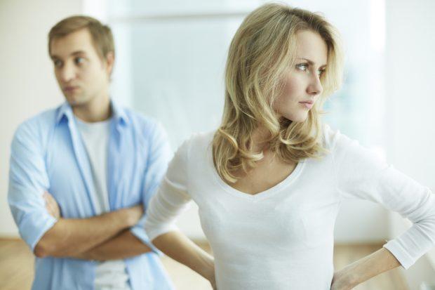 TË BUKURA E TË PAVARURA/ Ja përse femrat e jashtëzakonshme kanë jetë më të keqe dashurore