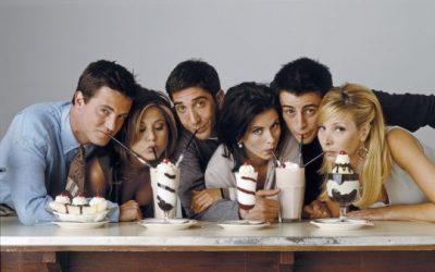 """RIKTHIMI I LARGËT I """"FRIENDS""""/ Zbuloni sa fitojnë aktorët e serialit çdo vit që nga 2004-a"""
