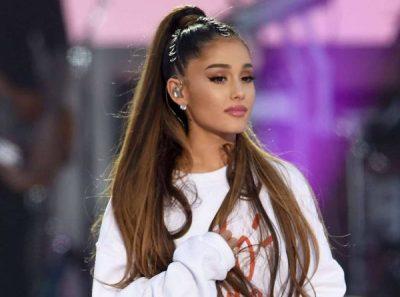 """PAS NJË VITI PLOT DRAMA/ Ariana Grande ka një kërkesë për """"babagjyshin"""""""