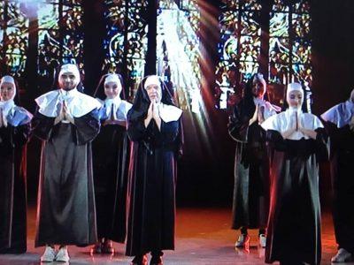 """""""DEL PROTESTA…""""/ Sazan Guri shndërrohet si një murgeshë në """"Dance With Me"""" dhe ka një mesazh për shqiptarët"""