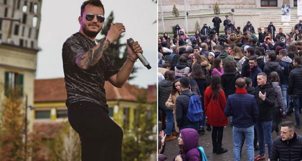 DITA E 12 E PRTOTESTËS/ Renis Gjoka mbështet studentët: Aty më keni…(FOTO)