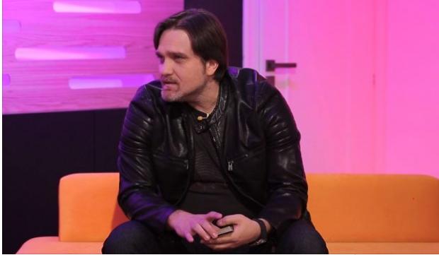 """I ZURI KOHËN TELEVIZIVE/ Julian Deda tregon çfarë i tha Ermal Mamaqi për kalimin në """"Tv Klan"""""""