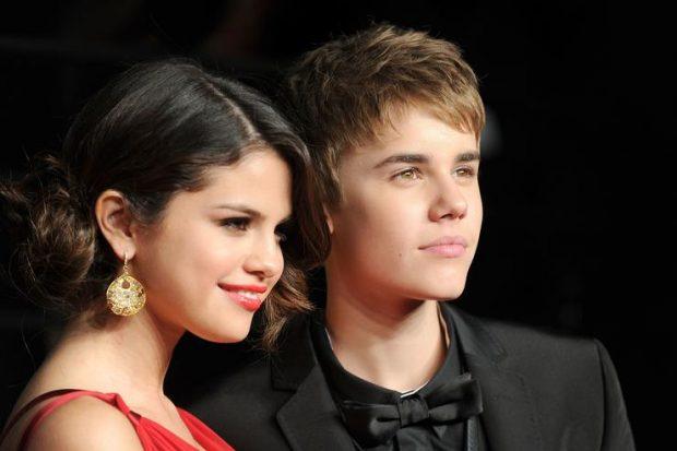 """""""E KA ENDE NË ZEMËR""""/ Justin Bieber vazhdon të telefonojë Selena Gomez"""