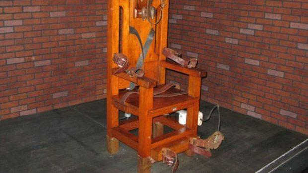 NË VEND TË INJEKSIONIT VDEKJEPRURËS/ I burgosuri zgjedh karrigen elektrike