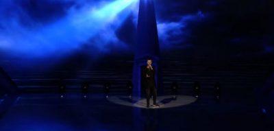 """""""MOS MË URRENI POR MË VOTONI""""/ Këngëtari ka një kërkesë para se të performojë në """"Këngën Magjike"""""""