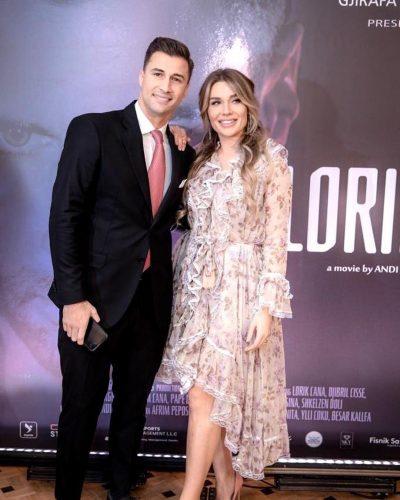 JANË PËR T'I PASUR ZILI / Bashkëshortja e Lorik Canës poston foton e rrallë intime