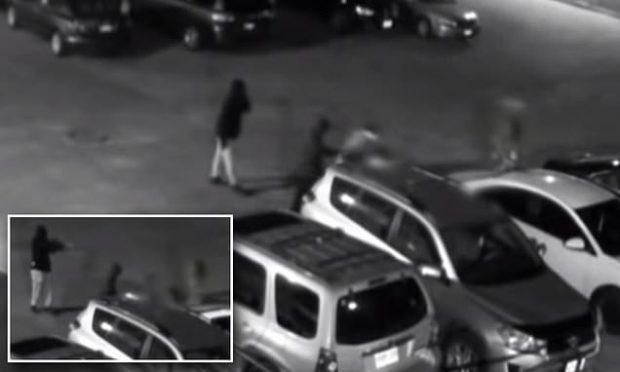 VIDEO SHOKUESE/ Këngëtari i njohur qëllohet me 30 plumba, po shkonte drejt…
