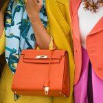 VJESHTA PO VJEN/ Ja ngjyrat që nuk duhet të mungojnë në garderobën tonë