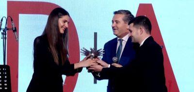 """NGA EMINA TEK  SADIKU/ """"Oda 2018"""" nderon shqiptarët e famshëm në botë (VIDEO)"""
